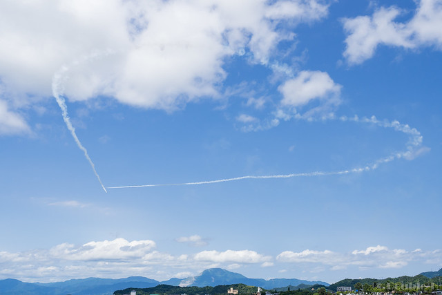 Blue Impulse's rehearsal flight for the 410th anniv. of Hikone Castle (22) Original Level Cupid