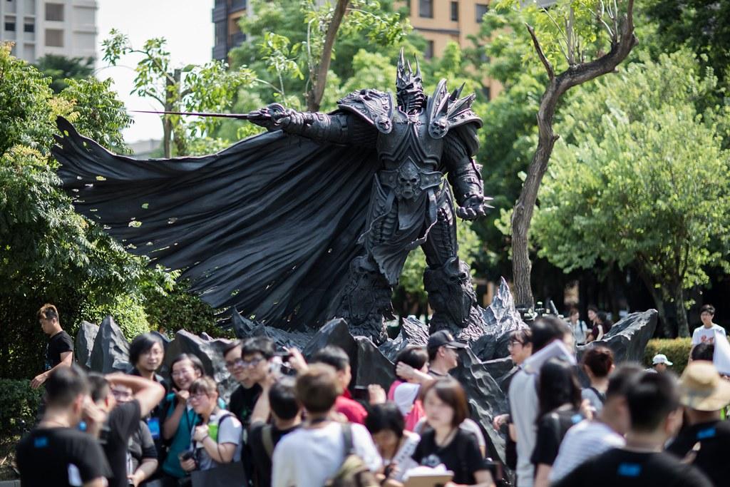 阿薩斯雕像周年野餐派對。(Blizzard Entertainment提供)