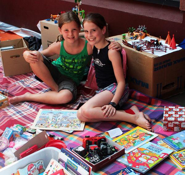 德國暑假放假第一天登場的兒童舊貨市集,讓孩子當小老闆。