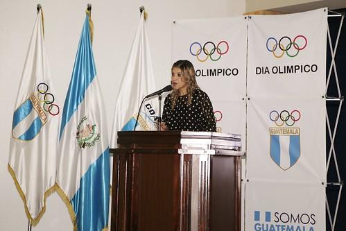 Conferencia de prensa Carrera del Día Olímpico 2017