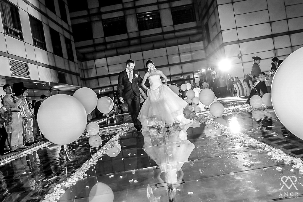 台中婚禮紀錄,池畔婚禮,真情流露,愛情來了
