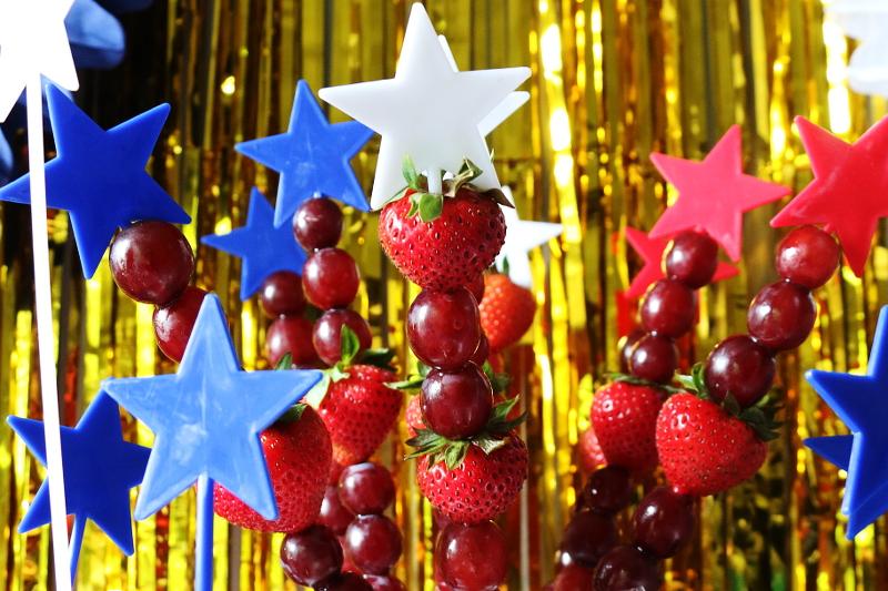 red-white-blue-fruit-kabob-sticks-9