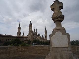 Cruz en memoria de Basilio Boggiero, Santiago de Sas y el barón de Warsage