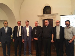 De Carolis, il vescovo Favale e l'amministrazione comunale di Conversano