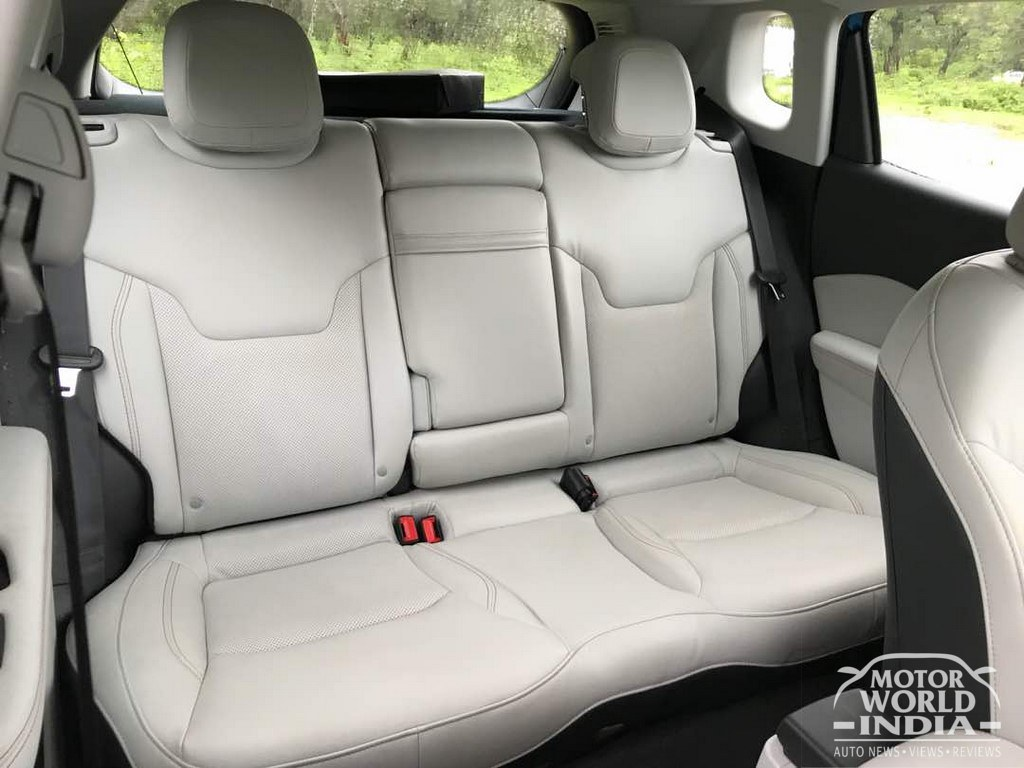 Jeep-Compass-Limited-Interiors (40)