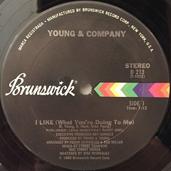 YOUNG & COMPANY:I LIKE(WHAT YOU'RE DOING TO ME)(LABEL SIDE-A)