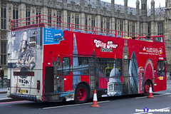 Volvo B7TL Plaxton President - Y182 NLK - City Tour London - London 2017 - Steven Gray - IMG_8545