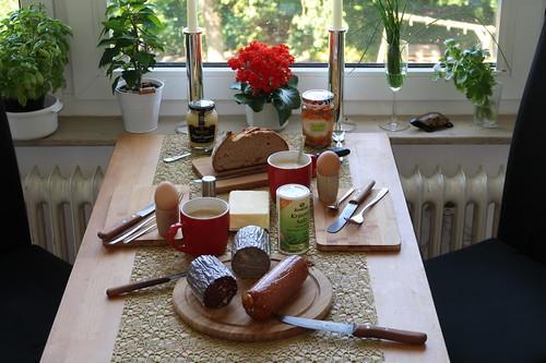Frühstück am Sonntagmorgen mit Wurst vom Hof Hauswörmann