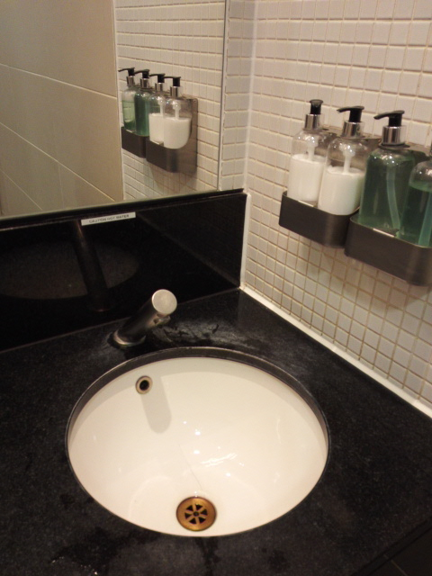 ユーストン駅ファーストラウンジのトイレ