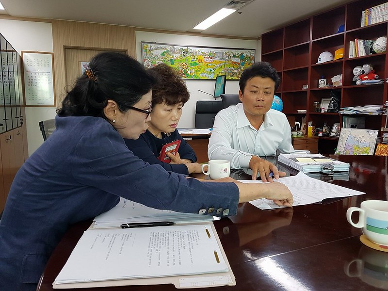 Nami Kim meeting with Bucheon Mayor Man-Soo Kim June17