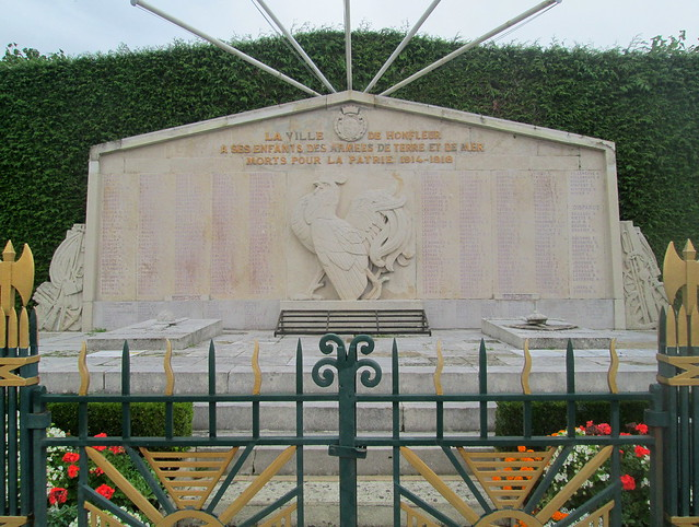 Honfleur, War Memorial Close
