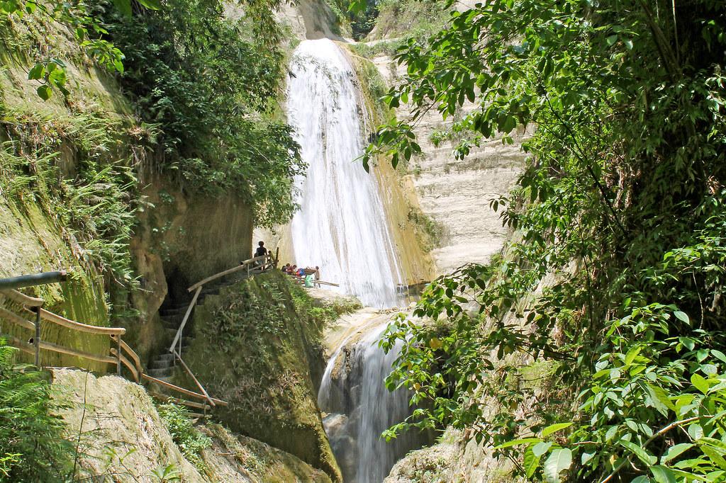 waterfalling in samboan dao aguinid and binalayan hidden falls