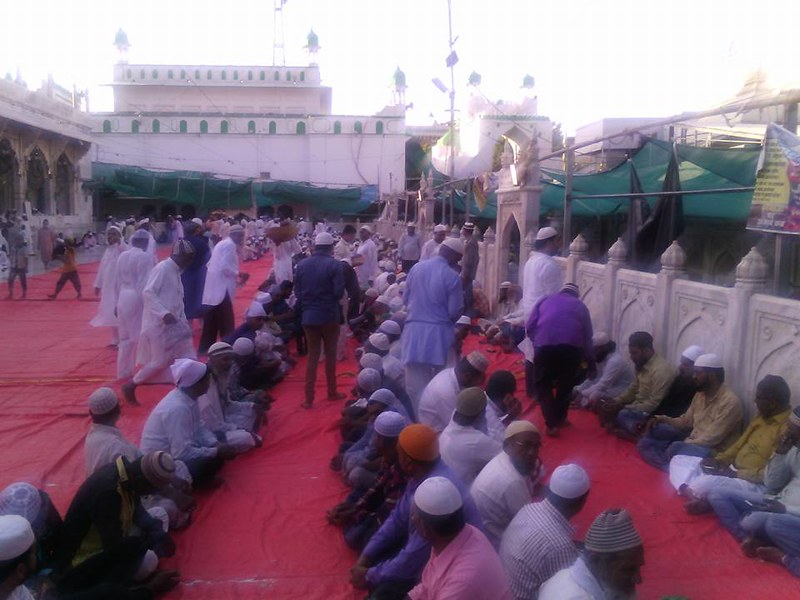 2017-June-23-LEAFLETING-Mission Propagation at Khwaja Gharib Nawaz, Ajmer, India