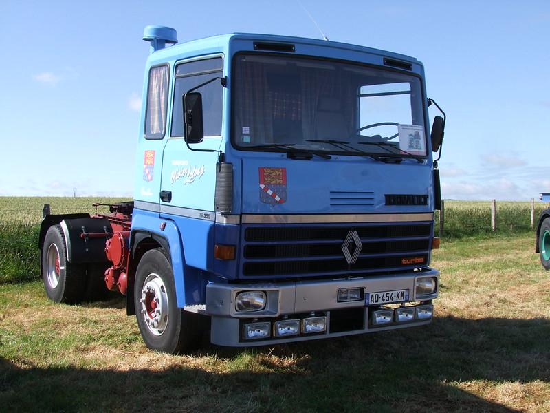 Rassemblement de camions anciens en Normandie 35503218806_d2612d3529_c