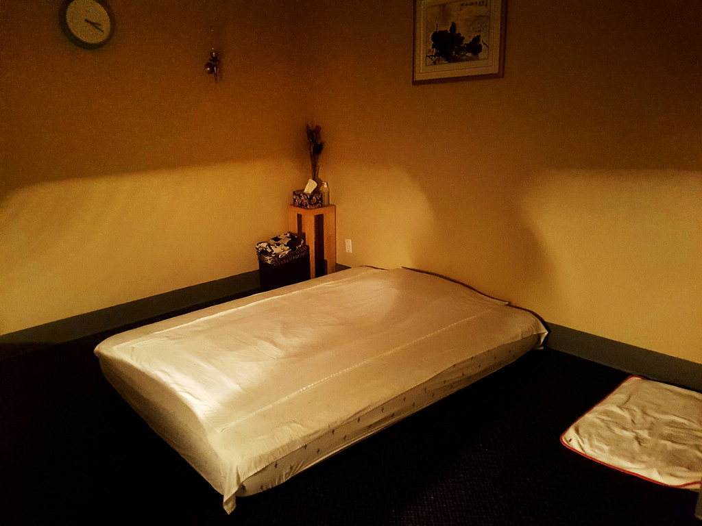 Inside a massage parlour-3032