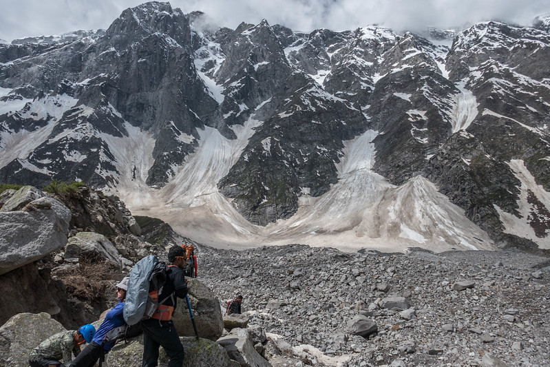 Descending lateral moraine of Beas Kund glacier