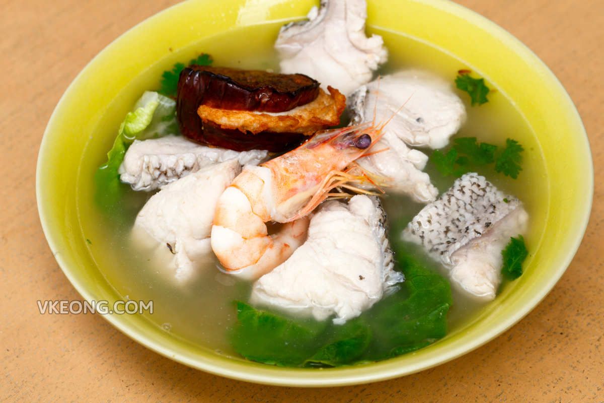 Teochew Seafood Noodle with Prawn Grouper