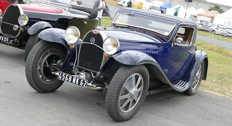 Bugatti coupé bleu marine et noir 4568 NK 62  35595940526_c2058e4051_c