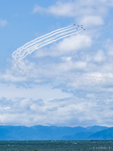 Blue Impulse's rehearsal flight for the 410th anniv. of Hikone Castle (15) Phoenix Low Pass