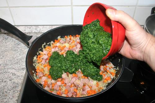 29 - Spinat dau geben / Add spinach