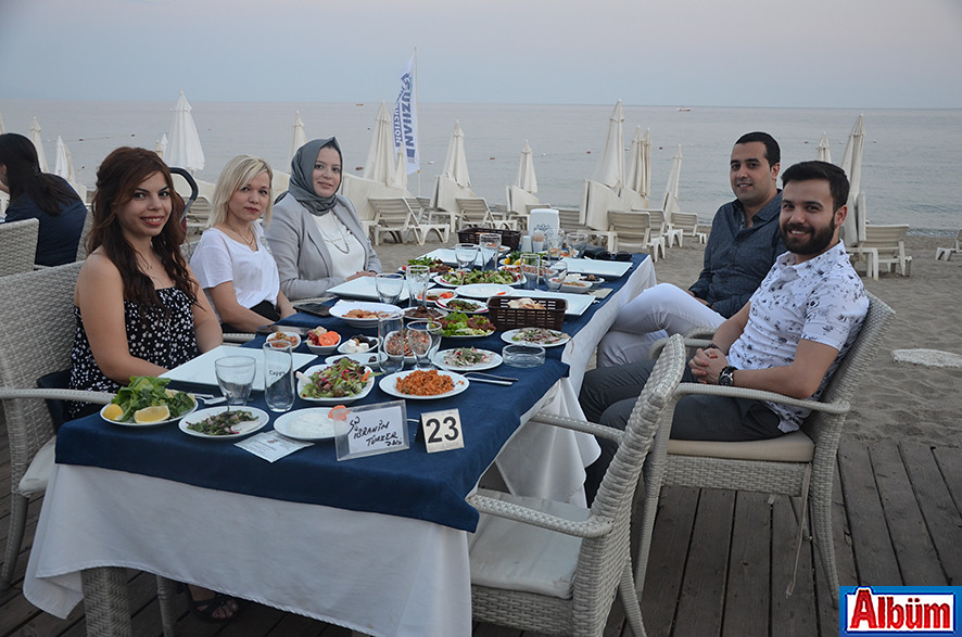 Müge Durel, Dilek Yaşar, Nazlı Türker, İbrahim Türker, Sinan Yücel