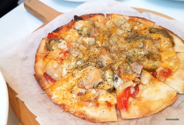 Jalapeño Chicken Pizza