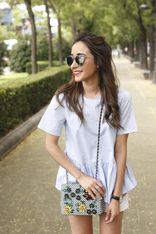 blue light striped shirt denim shorts uterqüe jewel bag accessories summer outfit09