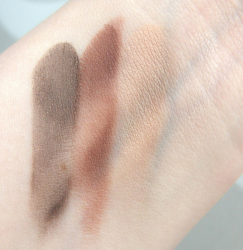 Urban Decay Gold Griot swatches