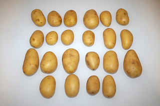 01 - Zutat Kartoffeln  (Drillinge) / Ingredient small potatoes
