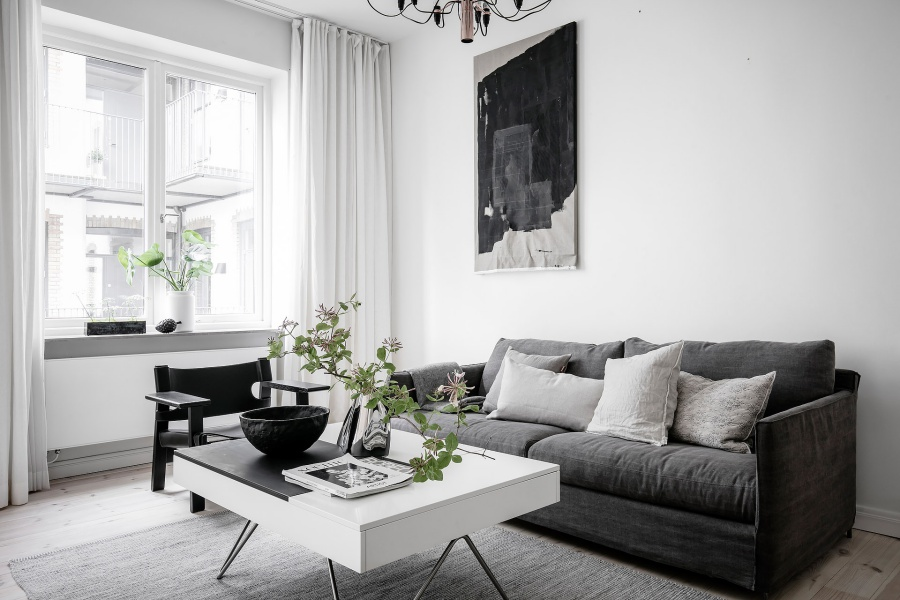 Simple Scandinavian Home With A Beautiful View