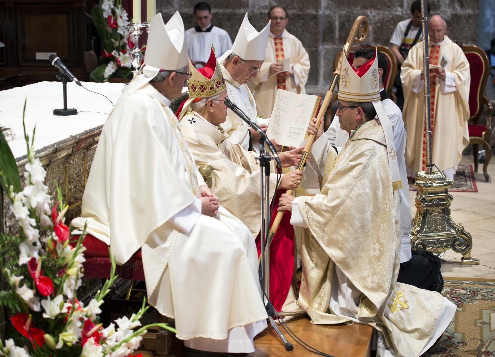 3-6-2016 - Ordenación Episcopal de Mons. Luis Argüello