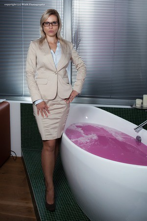 The office ladies pink slime bath | Full set at www ...