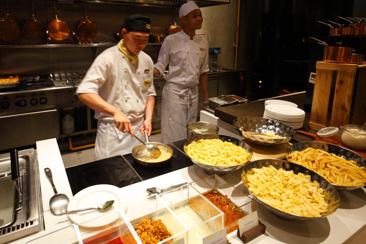 Shangri-la Lemon Garden Buffet Pasta Live Station
