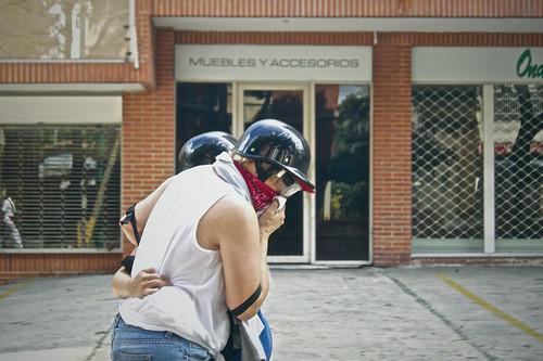 VENEZUELA: #14Jun Efectivos de seguridad lanzan bombas lacrimógenas en Altamira