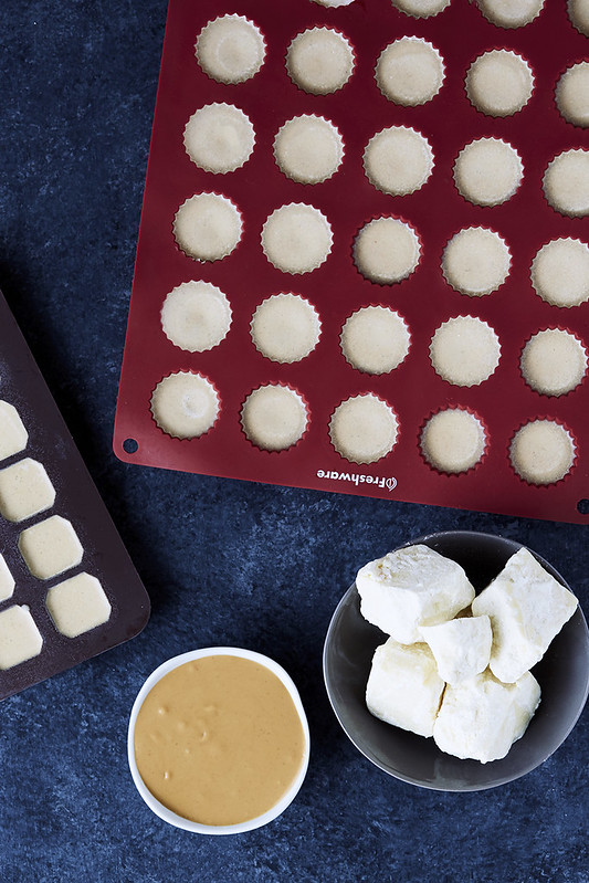 White Chocolate Peanut Butter Fat Bombs {Paleo and Keto}