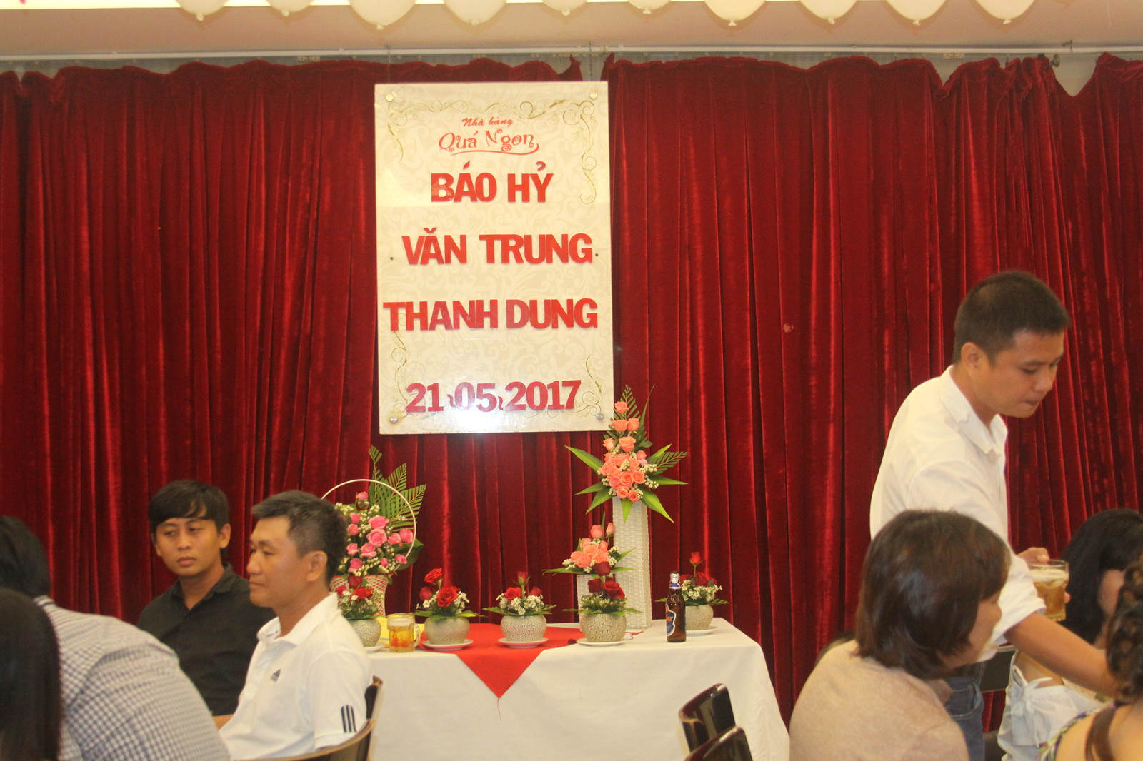 Tiệc Báo Hỷ Văn Trung - Thanh Dung
