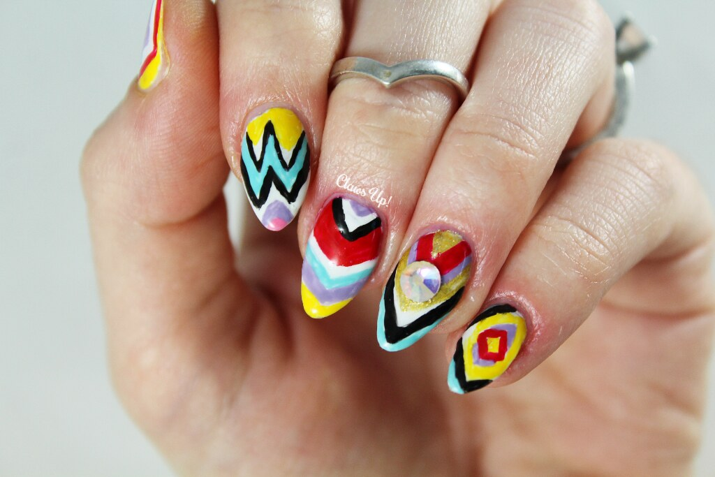 Lady Gaga teacup nail art