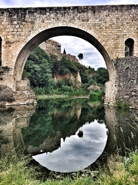 Puente de Besalú (La Garrotxa, Girona)