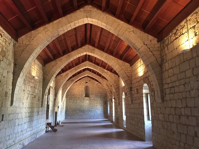Dormitorio de los canónigos del Monasterio de Santa María de Vilabertrán (Alto Ampurdán, Girona)