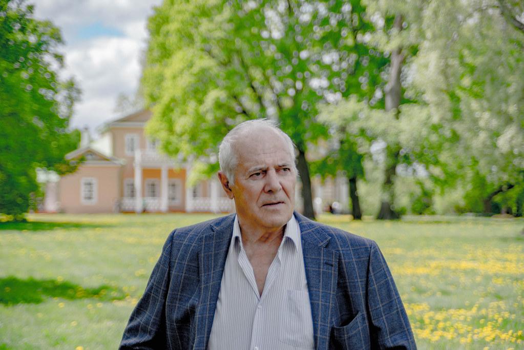 Тарханский художник Г.В. Сальков