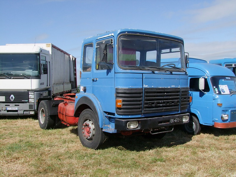 Rassemblement de camions anciens en Normandie 34756953483_bf6253d3ed_c