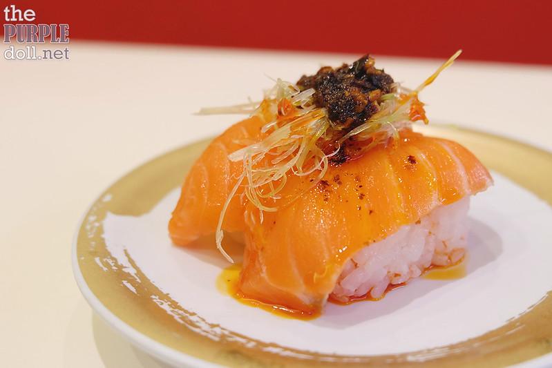 Salmon Taberu Layu Nigiri (P130)