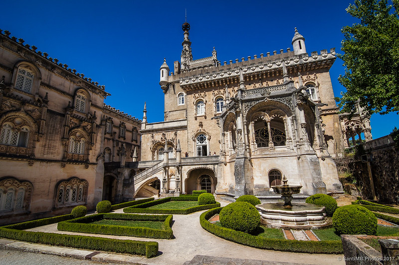 Detrás del hotel Palace do Buçaco