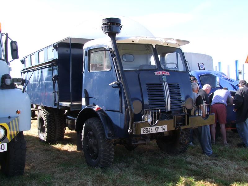 Rassemblement de camions anciens en Normandie 35412630091_91b90f3be6_c