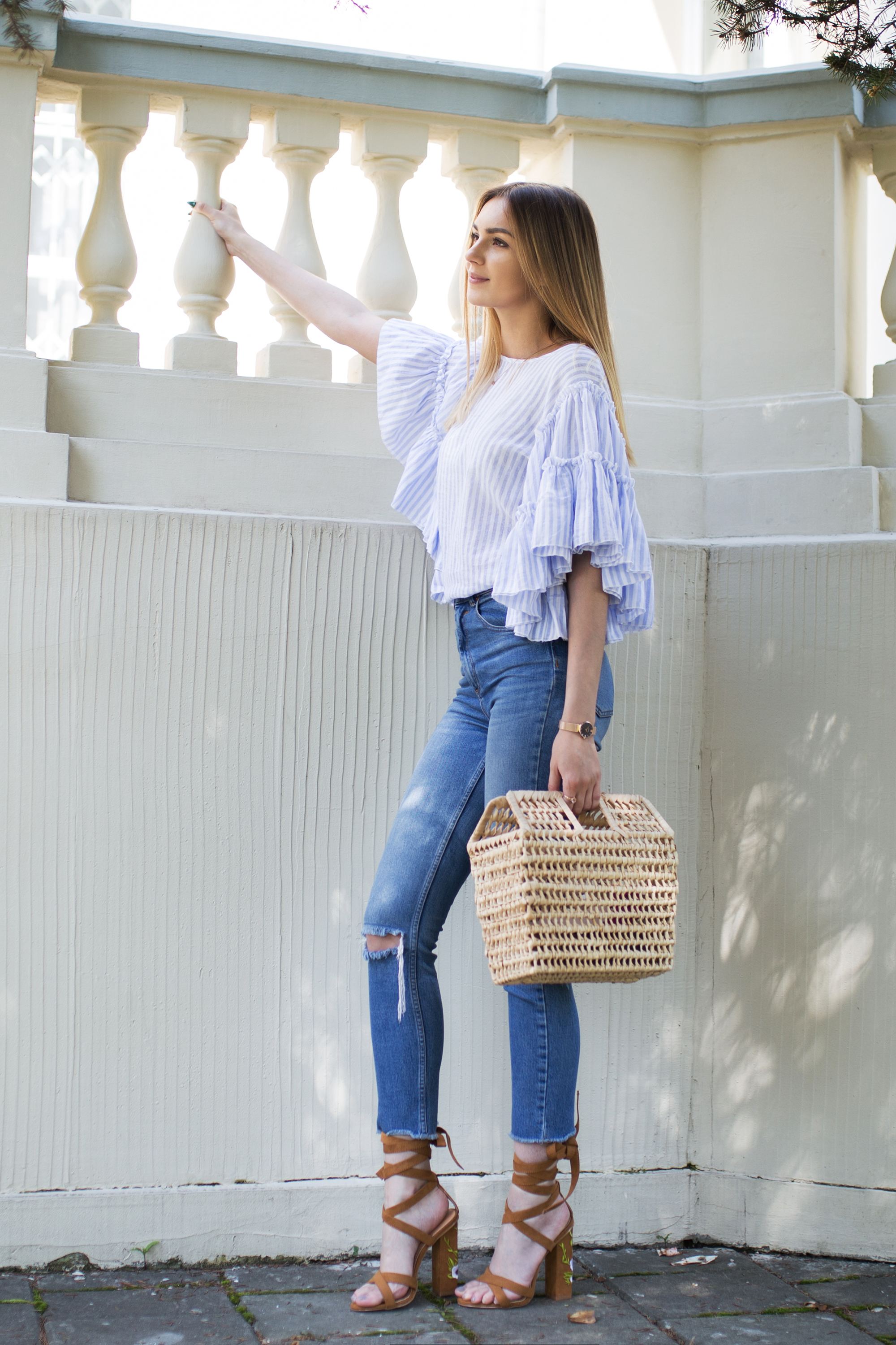 outfit-street-style-ruffle-trend-stripes