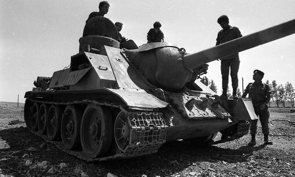SU100-syrian-captured-1970-hrv-1