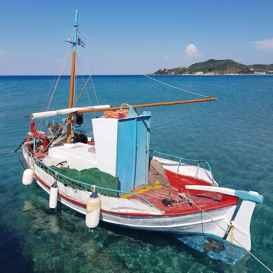 Barco em Alykes na Grecia