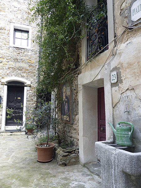 piazza castello 2