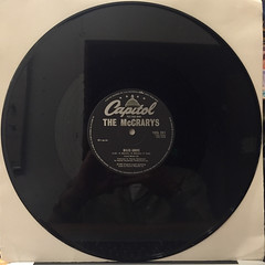 THE MCCRARYS:LOVE ME ON A SUMMER NIGHT(RECORD SIDE-B)