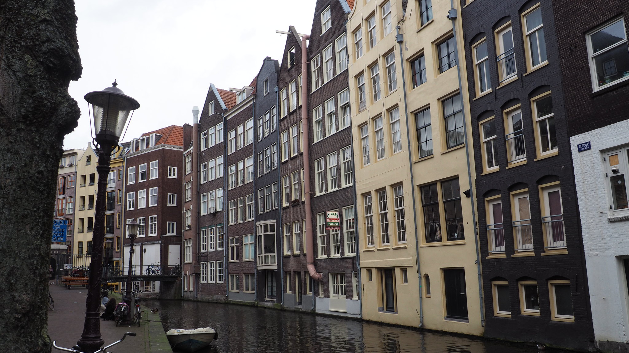 Red_Light_District_Amsterdam_2